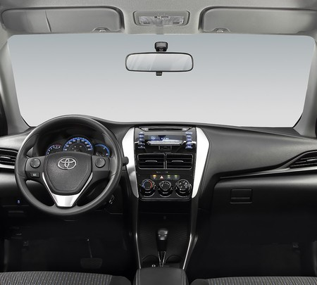 Toyota Yaris Hatchback 2018 13