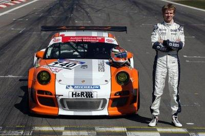 Nico Hülkenberg se pone al volante del Porsche GT3 R Hybrid
