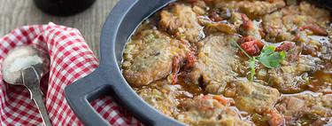 Carrilleras de ternera guisadas con pimientos asados, receta completa para una comida en familia