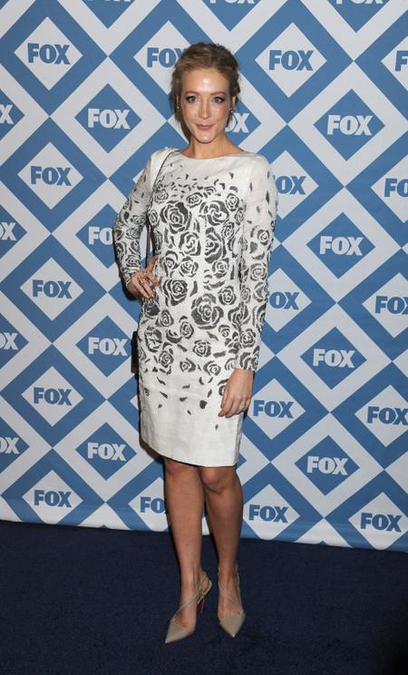 Jennifer Finnigan fox