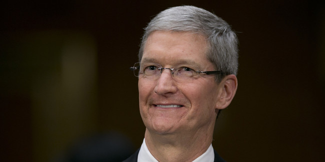 O Tim Cook Smile Facebook