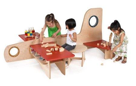 Mesas infantiles con formas divertidas