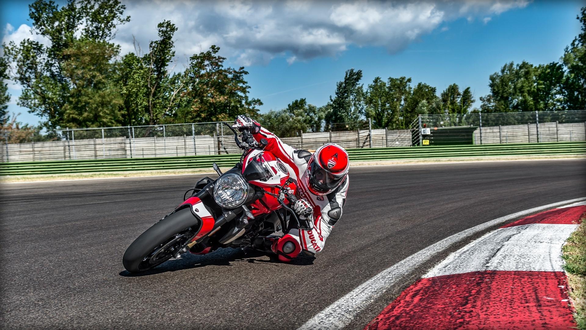 Foto de Ducati Monster 1200 R (1/30)