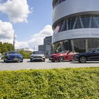 El nuevo Mercedes-Benz Clase E ya tiene precio: desde 53.500 euros para la berlina de lujo con volante táctil