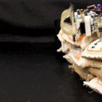 El MacGyver de los robots es capaz de construir con objetos en situaciones impredecibles