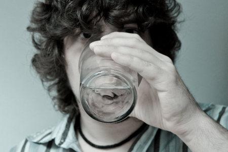 Cuatro momentos claves para beber agua