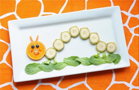 ¡Mira cómo Jill Dubien convierte las comidas de sus hijos en uno de los momentos más divertidos del día!