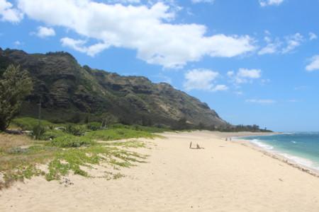 Que el móvil no te amargue un día de playa: tres soluciones para evitar robos