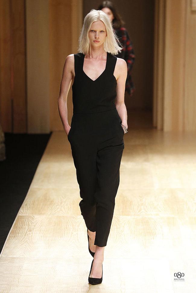 Foto de Mango abre la 080 Barcelona Fashion con su colección Otoño-Invierno 2014 y Toni Garrn (17/41)