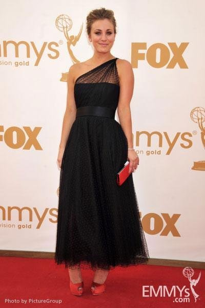 Kaley Cuoco Emmy 2011