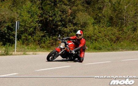 Ducati-sport-1000-curva