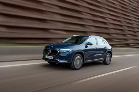 Mercedes-Benz agrega dos versiones más para EQA: 300 4MATIC y EQA 350 4MATIC