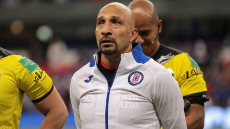 Cabeza calva o pelota: una cámara con inteligencia artificial confunde árbitro con balón y estropea transmisión de partido de fútbol