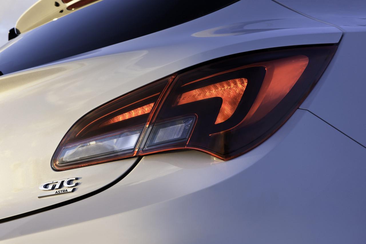Foto de Opel Astra GTC (62/90)