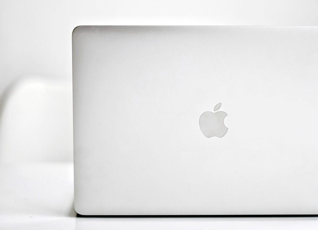Los nuevos MacBook Pro con M1 llegarán a lo largo del año, según Mark Gurman