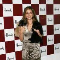 Sarah Michelle Gellar inaugura las rebajas de Harrods