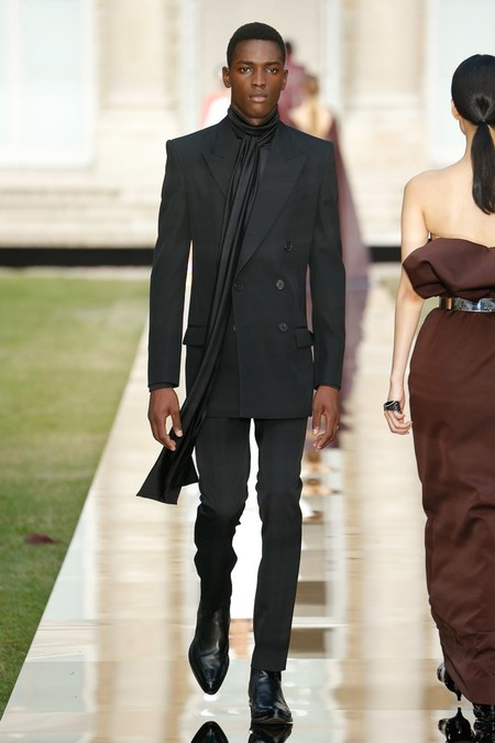 Givenchy Men Haute Couture Fall Winter 2018 Paris 07