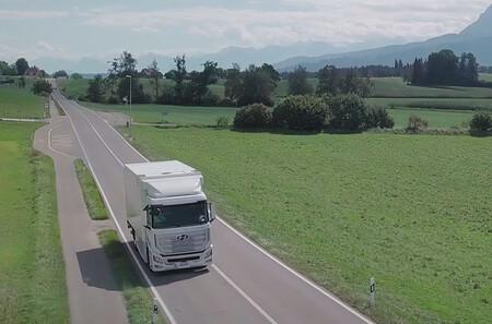 China quiere llegar al millón de vehículos de hidrógeno en 2030, y su gran apuesta son los camiones y autobuses