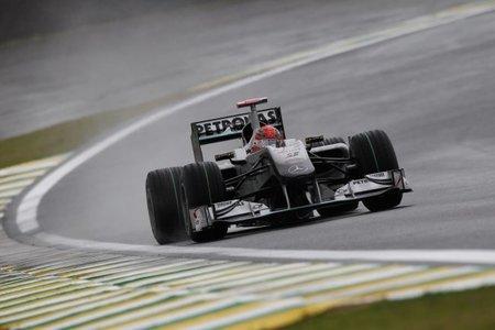 Michael Schumacher durante la clasificación en GP de Brasil 2010