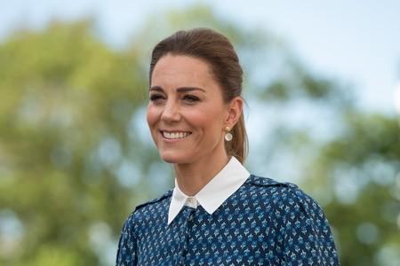 Kate Middleton apuesta por un vestido camisero de estampado floral de una de sus marcas de moda preferidas