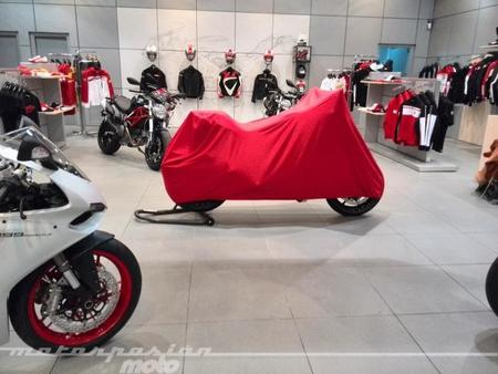 Presentación en sociedad de la Ducati Monster 1200