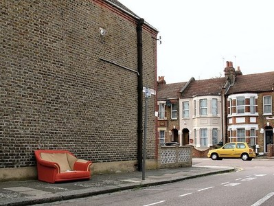 Intercambiar la casa, compartir el coche o alquilar un sofá: fórmulas de ahorro al hacer turismo