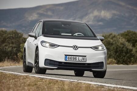 Volkswagen ID.3 frontal en marcha