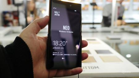 NuAns Neo, el Windows 10 Mobile con Continuum inalámbrico que busca cómo llegar a Europa