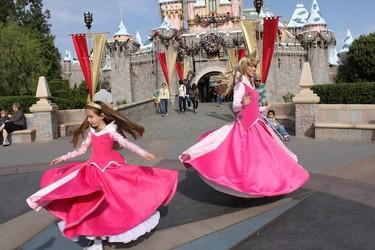Una madre cumple el sueño de su hija de convertirse en princesa Disney