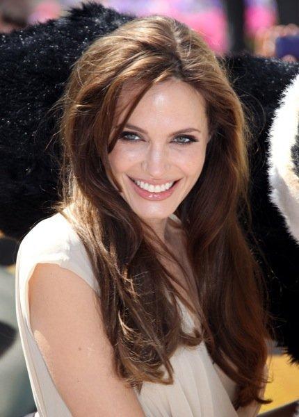 Angelina Jolie rostro