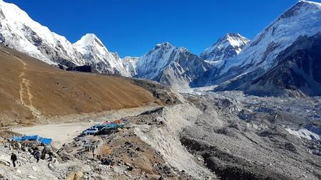 La primera carretera al Everest estará lista en dos años, pero dicen que será sólo para coches eléctricos