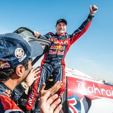 ¡Titánico! Carlos Sainz agranda su leyenda conquistando su tercer rally Dakar con tres coches diferentes