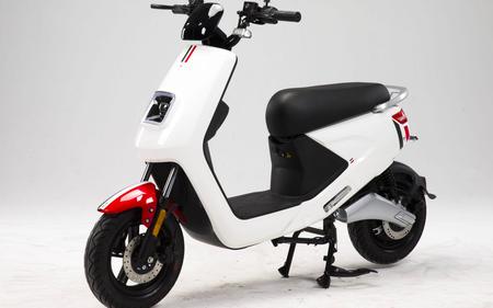 El scooter eléctrico del Carrefour llega con 120 km de autonomía y un precio de bicicleta eléctrica, 1.600 euros