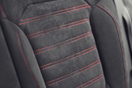 La demanda de Alcántara es tan alta que la única marca que fabrica el material no da abasto