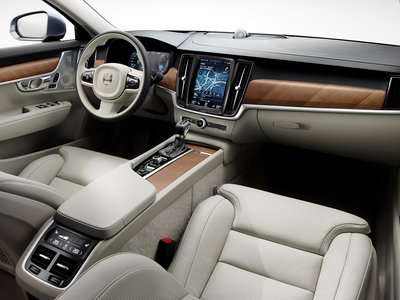 Tesla ficha al ex responsable de interiores de Volvo