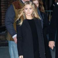 El look de Ashley Olsen en el Show de David Letterman