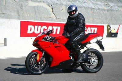 Ducati 848 Evo, la prueba: a punto para disfrutar