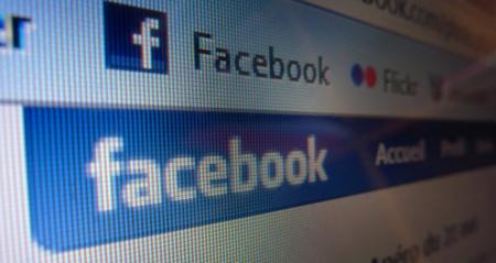 Facebook reduce bastante el tamaño de su letra.... y los usuarios se quejan