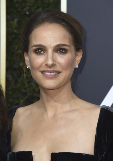 Natalie Portman deja en evidencia a la industria de Hollywood con una sola palabra (mientras enumeraba los nominados al mejor director)