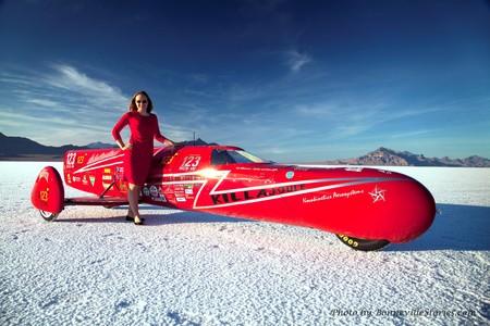 Esta mujer sueca ha creado una moto eléctrica de 1.400 CV para batir un récord del mundo de velocidad