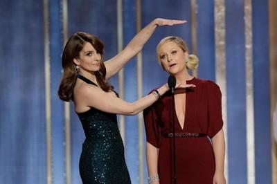Tina Fey y Amy Poehler repiten en los Globos de Oro, Manel Fuentes se estrena en los Goya