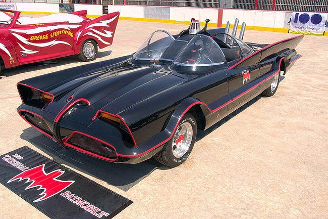 Batmóvil de 1966 de George Barris sobre la base del Lincoln Futura
