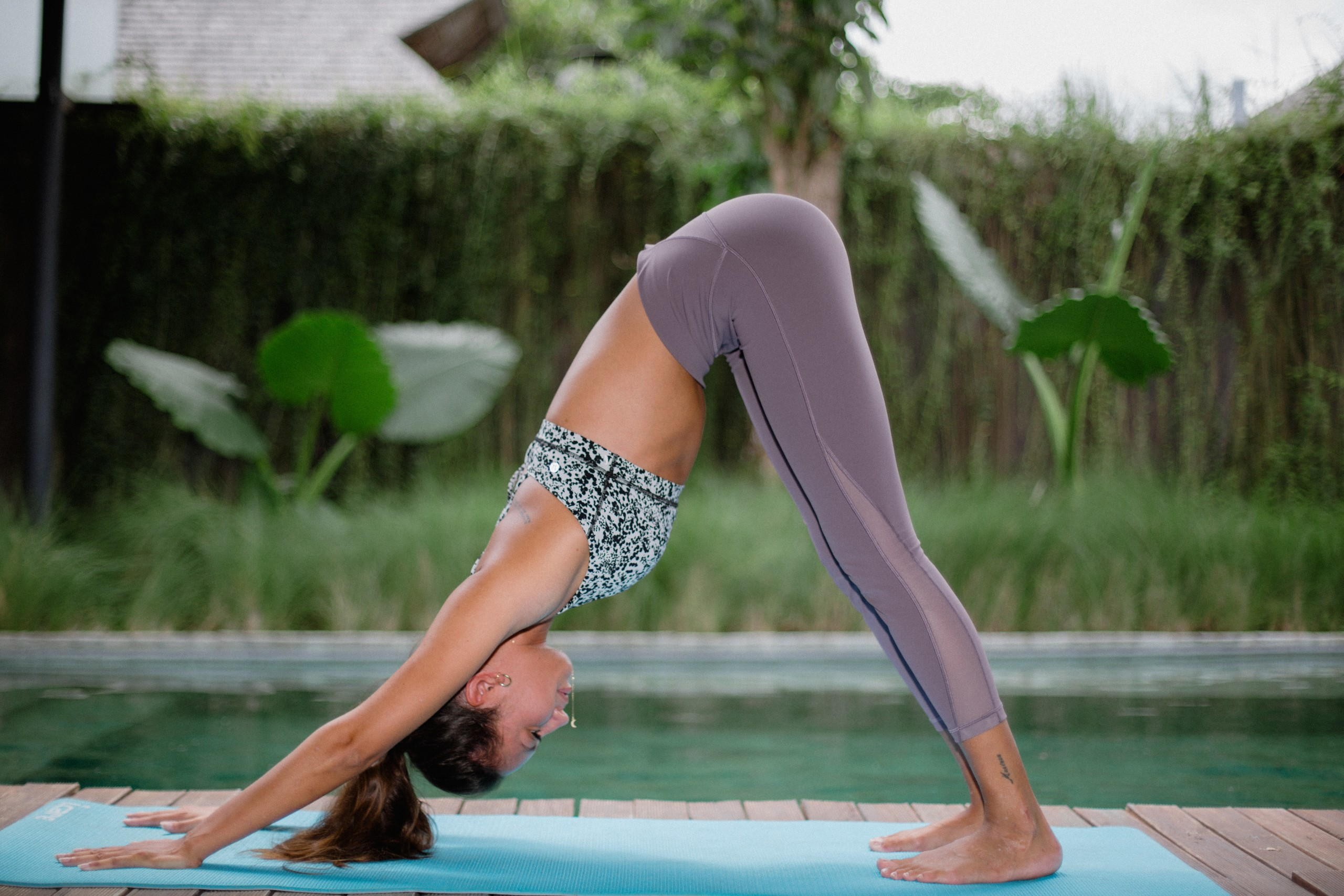 Aprende a hacer el saludo al sol de Yoga fdd1a77afc77