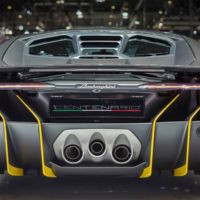 Si pensabas que no lo verías en movimiento, aquí tienes al Lamborghini Centenario en el circuito de Nardò