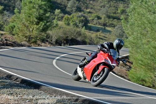 Así se mueve la Ducati Supersport, la reencarnación del espíritu sport-turismo divertido y accesible