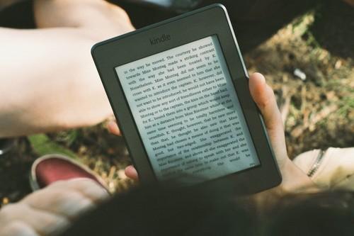 Seis lectores de libros electrónicos, desde sólo 89 euros, para dejar atrás el papel en el Día del Libro: Kindle, Kobo, Tagus y más