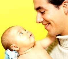 Permiso de paternidad de cuatro semanas dentro de seis años y definitiva ampliación en partos prematuros