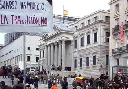 Suárez ha muerto, la transición en las empresas continúa