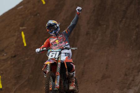 ¡Inmenso! Jorge Prado gana en Asia y es colíder de MX2. Nuevo doblete para Jeffrey Herlings en MXGP