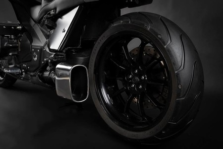 Honda Valkyrie H Garage 9